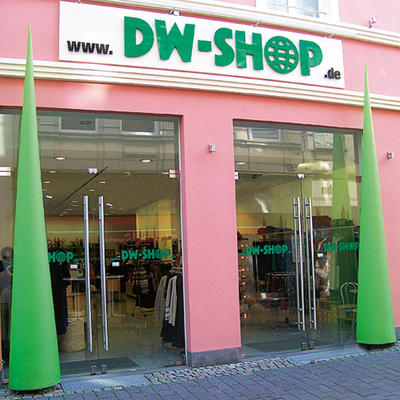 unser laden in bonn freuen sich auf ihren besuch dw shop dw shop. Black Bedroom Furniture Sets. Home Design Ideas